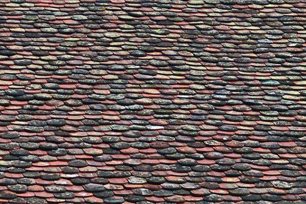Est-ce possible de poser des nouveaux bardeaux de toit sur des vieux ?