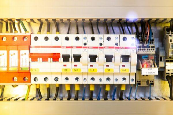 L'importance d'un bon câblage électrique en construction